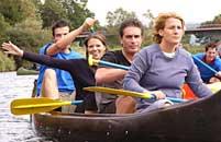 Bild Kanugruppe hat Spass, Teil der Outdoor-Trophy