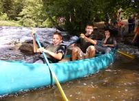 Bild von Schulklasse im Kanu