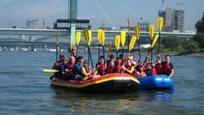 Teamerlebnisse, Bild zwei Rafts in Köln